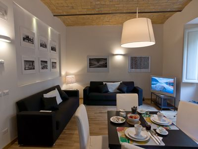 Photo for Modern and stylish 2 bed flat near the Colosseum