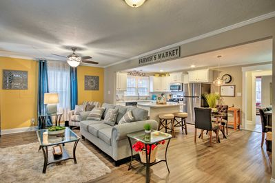 Make this 2-bedroom, 2-bath house your home base during your trip to Grovetown