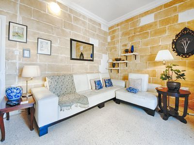 Photo for Central Traditional 2 Bedroom Town House, Cospicua