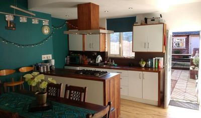 Photo for Sheffield Holiday Suite 1-5 Guests Meadowhall + Guest Lounge, Bathroom & Garden