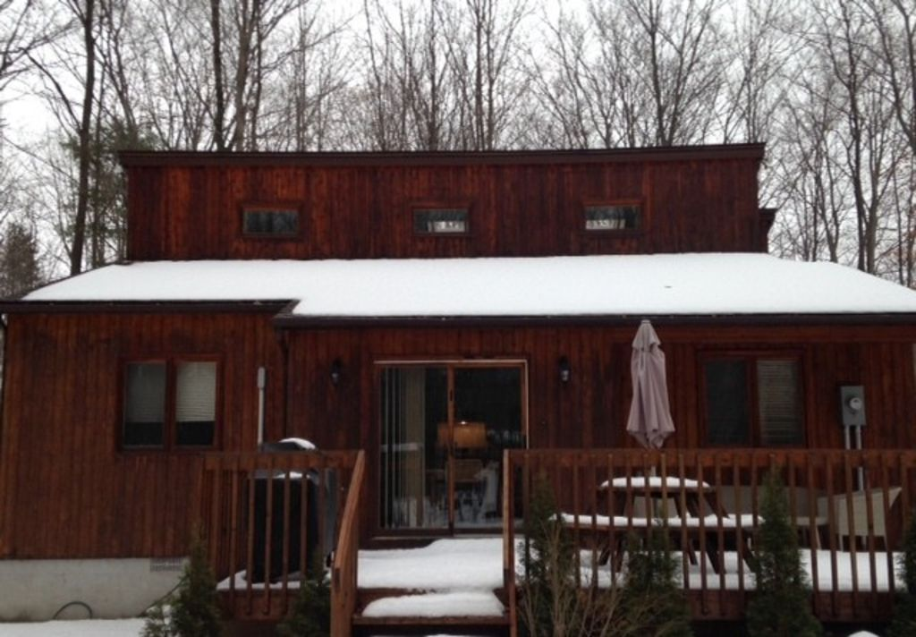 Cozy cottage getaway ha 4029901 penetanguishene ontario for Cozy canadian cottage