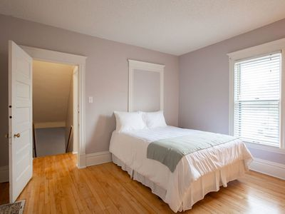 Photo for 2 bedroom in Midtown & Downtown!