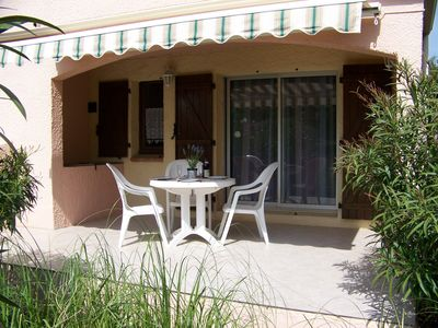 Photo for Cap d'Agde, 2 rooms residence pool heart of the pine forest 800m beach parking