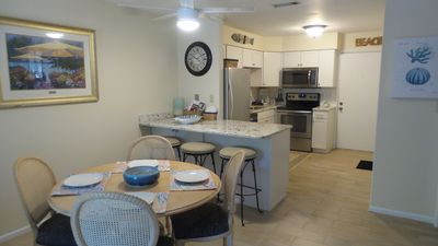 Fall and Winter dates available. Great 2 Bed, 2 Bath. Beautifully Updated Fiddlers Cove Property.