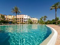 The complex is wonderful- safe & secure, beautiful gardens, marvellous communal pool with small, fru