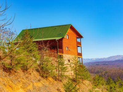 Photo for Starr Buck Lodge 7 BD/6.5 Ba/Sleeps 24/Beautiful views! Newly Renovated!