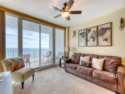 Photo for Gulf-front condo w/ great view, pools, beach access, hot tubs & sauna!