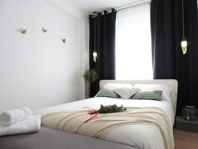 Photo for Olive Oil Bedroom, Lisbon Airport Charming Rooms