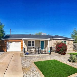 Photo for Mid city property located in the Melrose District of Phoenix. Close to downtown