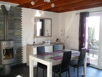 A quiet comfortable house located near the sea which is well equipped and has a garden.