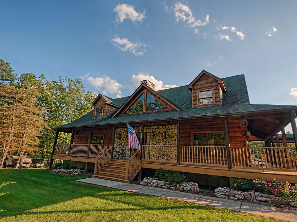 Log cabin near luray caverns and skyline drive for Log cabins in shenandoah valley
