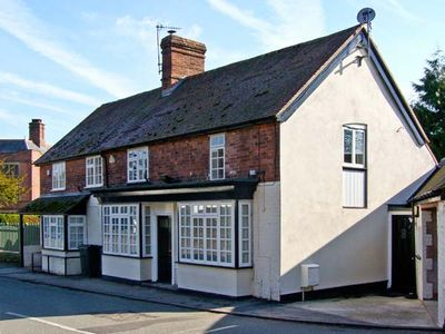 Photo for WHINBERRIES, pet friendly, with a garden in All Stretton, Ref 13952