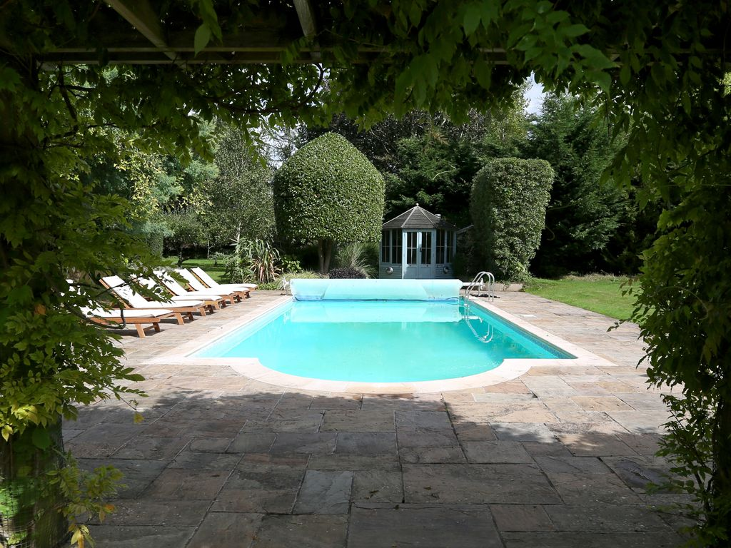 Family Friendly Luxury Holiday Home With Swimming Pool In Lymington Lymington New Forest