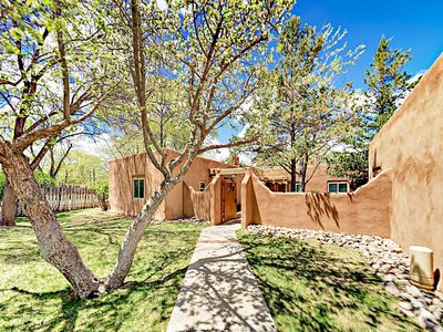 Photo for Pinon Treasure - Delightful Studio in Gated Community, Walk to Taos Plaza