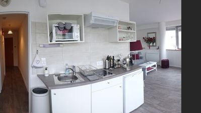 Photo for Studio-Panoramic-Ensuite with Shower-City View