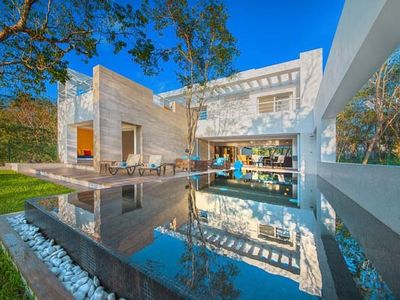 Photo for Spectacular New Oceanfront Villa