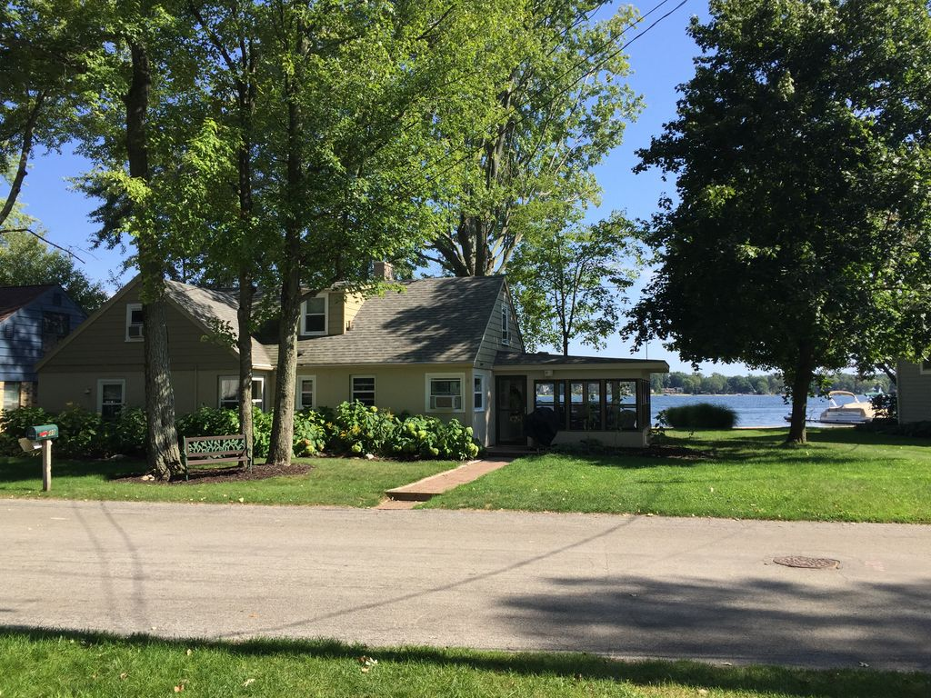 Lakefront 3 Bedroom Cottage Home Silver Lake In Rockford Grand Rapids Area Cannonsburg
