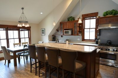 Fully Equipped Kitchen and Dining Area - Gorgeous granite, fully equipped kitchen and dining area. Tall ceilings and spacious room for the entire party.