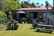 Paradise at Pakawau - Quaint wee retro Cottage