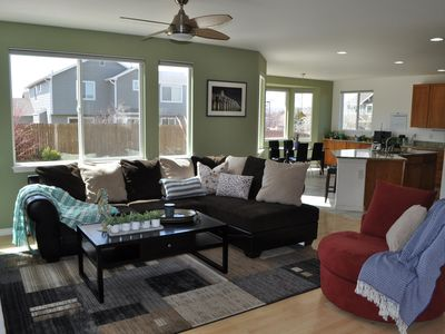 Photo for Spacious 5-bed home in Erie- Family friendly!