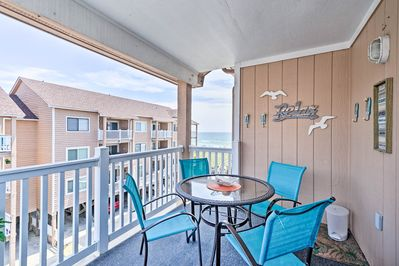 Dine in style with ocean views!