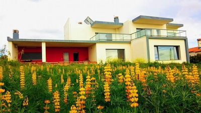 Photo for 4 bedroom villa with sea views, close to Ericeira