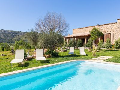 Photo for Lledroner - Beautiful villa with pool and garden in Alcúdia