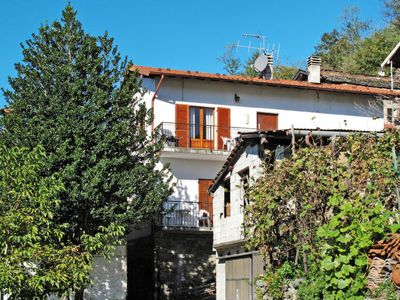 Photo for Apartment Cà Jior (GRV226) in Gravedona - 4 persons, 2 bedrooms