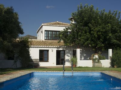 Photo for Spacious, comfortable country house with large garden and pool