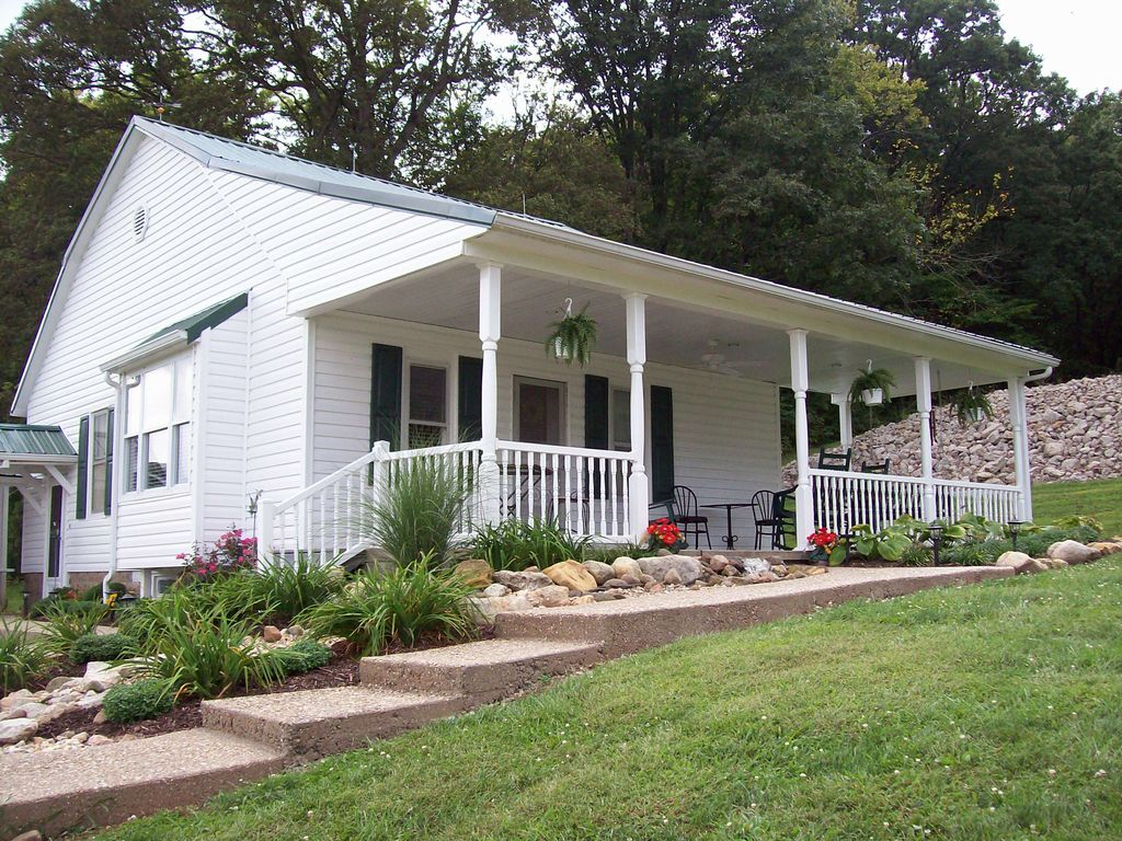 charming country farmhouse quiet and homeaway hillsboro