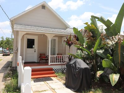 """""""Coastal Cottage"""" Beautiful early 1900 Cottage- Walk To Dining, Shopping, Etc & Only 2 Mi To Beach"""