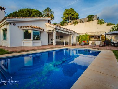 Photo for Luxury villa in Marbella with private pool and jacuzzi (8 guests)