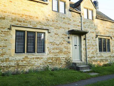Photo for Sun Cottage Stunning cottage in beautiful Cotswold village with Gastro Pubs