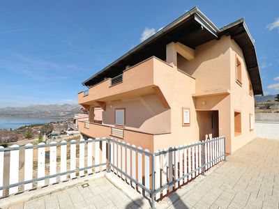 Photo for Spacious family Villa with Pools and Sea View near Zadar