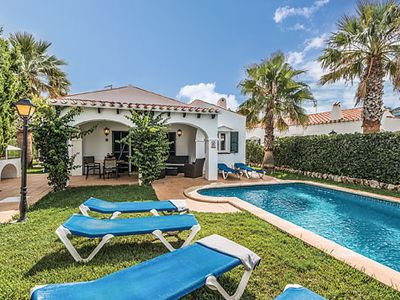 Photo for Air-conditioned villa close to amenities with private pool and free Wi-Fi