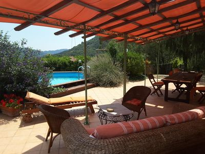 Photo for Villa with private pool, surrounded by nature, a few km from the sea