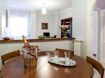 Photo for Rome: Apartment in gated community, close to the center of Rome