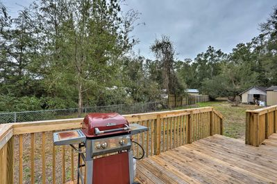 5-star amenities like a large deck and gas grill can be found on the property.