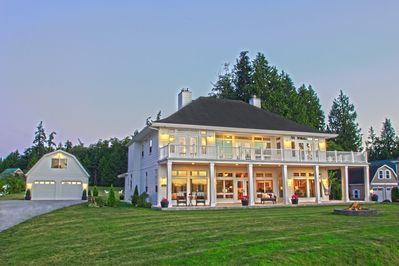 Front View of Hood Canal Grand Cottage & Detached Carriage House (upstairs unit)