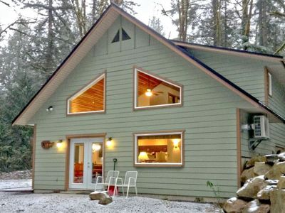 Photo for Vacation home 02MBH Cabin on Acreage with Hot Tub in Mount Baker/Glacier - 10 persons, 4 bedrooms