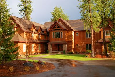 200 feet of sandy waterfront, 5 forested acres, CDA, enjoy 7000 s/f of luxury!