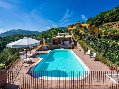 Photo for Countryside private villa with swimming pool