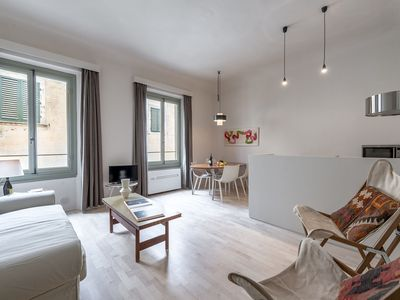 Photo for Apartment in Borgo Allegri in Florence, just steps to Santa Croce square