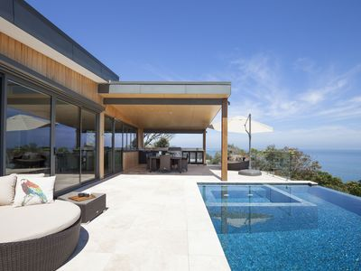 Photo for Casa di Mare - Clifftop Luxury Paradise with spa, pool, extensive water views, sun deck, Foxtel