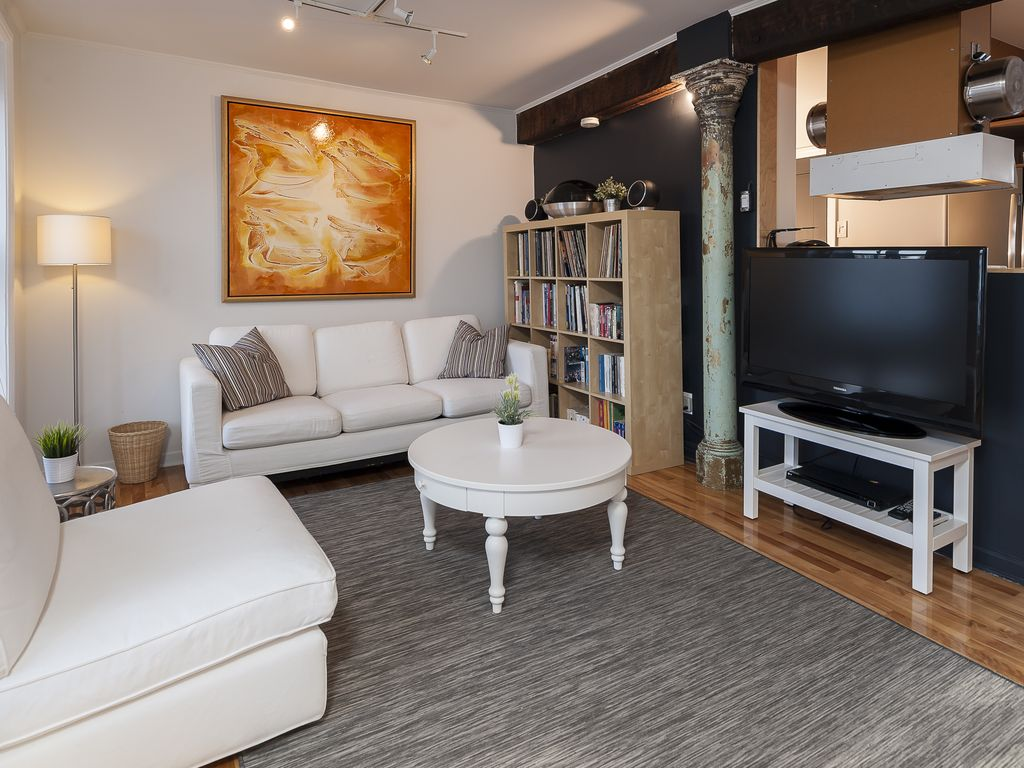 Hotels vacation rentals near montreal port from 17usd for Cabin rentals near montreal
