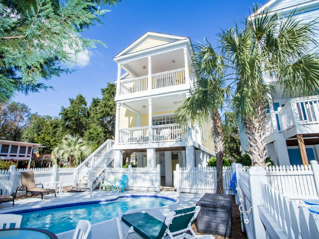 Prime Fall In Love With Taylor Made Ii Stay Risk Free With Our Hurricane Special Surfside Beach Home Interior And Landscaping Elinuenasavecom