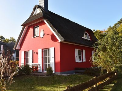 Photo for 5 * thatched cottage, partly. Boddenblick, cozy furnishings, pets considered