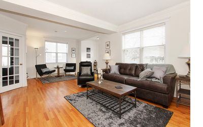 Photo for Modern 3 Bedroom With Harbour View, Off-street Parking, 5 Min Walk To Downtown!