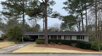 Photo for Spacious ranch-style home located in UGA/Five Points area