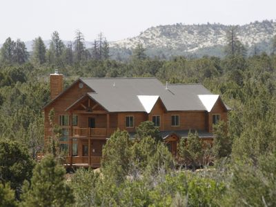Photo for Large Cabin Near Zion NP 3,000+SF, Great for Family Reunions